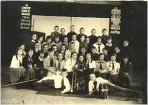 Богодухов М. с одноклассниками