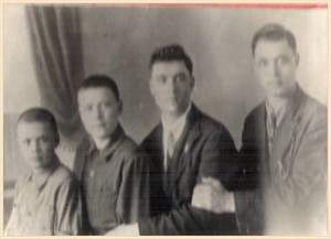 Братья Мироновы: Николай, Михаил, Василий, Константин 3 мая 1933 года.