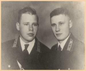 Миронов В.Ф.с другом , май 1945 года