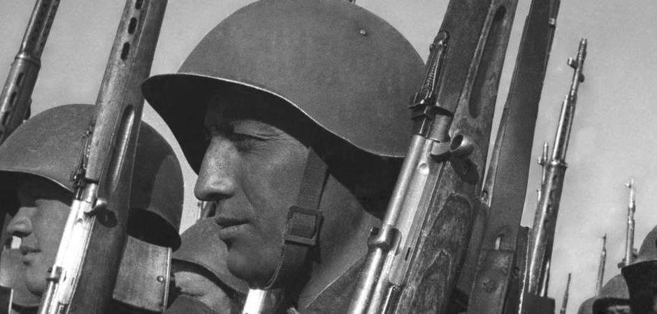 С противотанковыми ружьями на врага