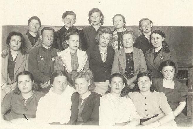 1945 педколлектив школа 16 Кемерово