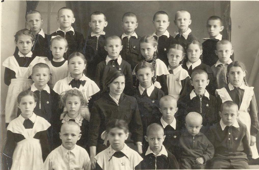 1959 год 2 в кл. фото Снеговой Т школа 16 Кемерово