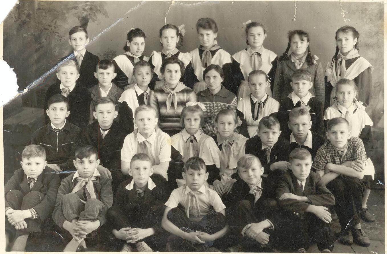 1961 год 4 в кл. учитель Шапошникова Екатерина Власовна кл. рук. школа 16 Кемерово
