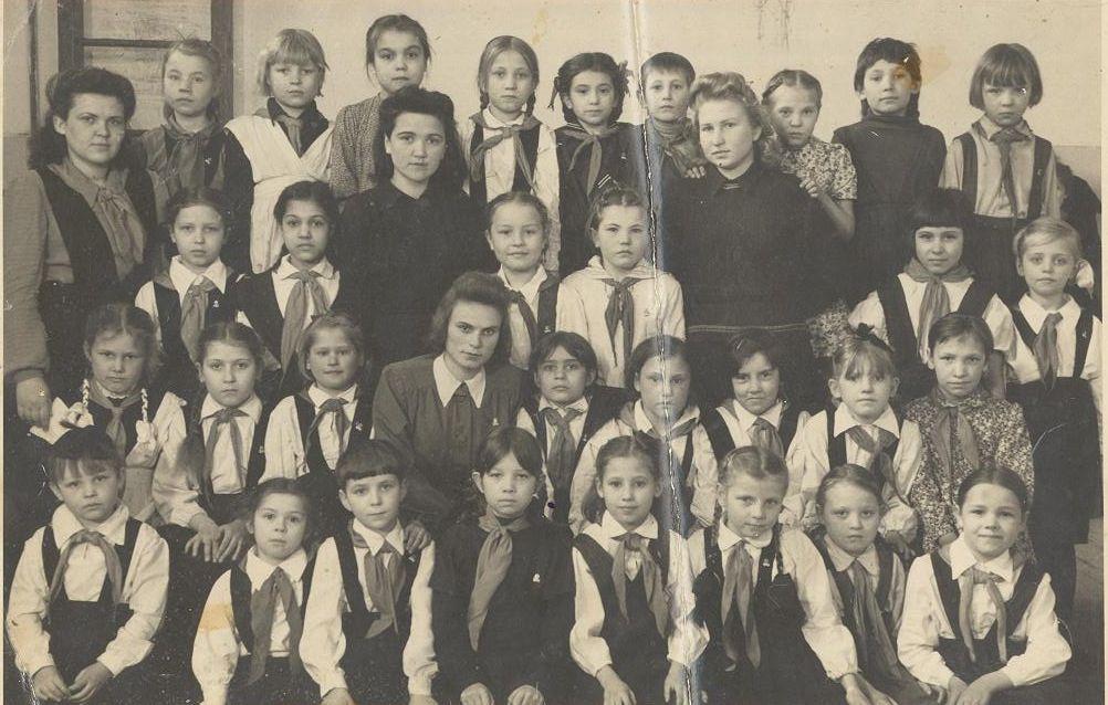 1950 год 3 кл. АННА ПЕТРОВНА ДЮГАЕВА школа 16 Кемерово