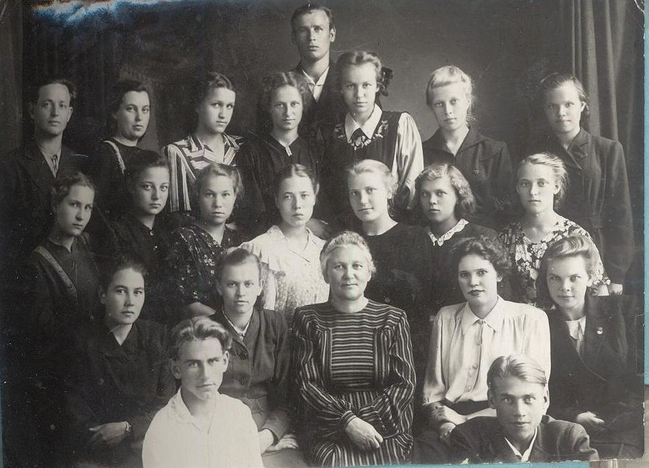 1952 год из архива Беловой Н.И школа 16 Кемерово