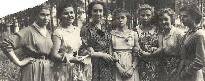1958 год девчонки с Красной Горки школа 16 Кемерово
