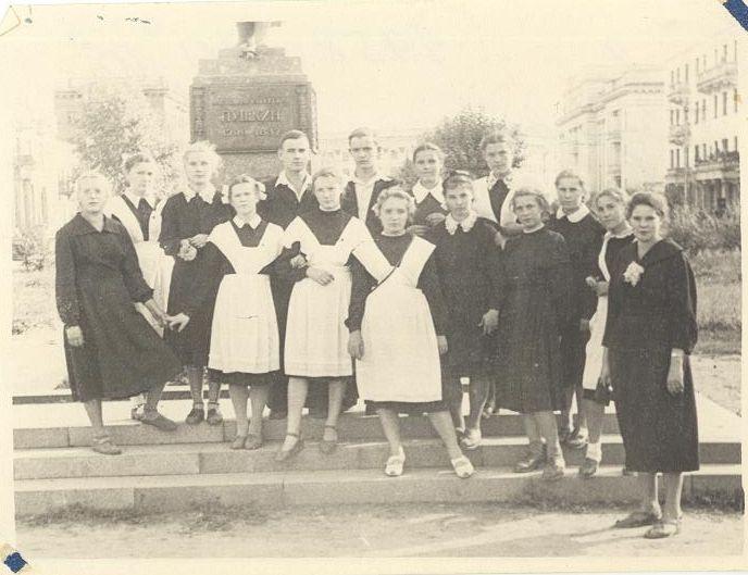 1958 год 10 А кл учитель ЗУЕВСКАЯ Е.Д. школа 16 Кемерово